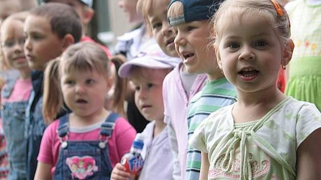 Setkání nejmladší generace a pamětníků v Třebovli