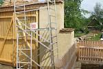 Ve skanzenu je řada nových objektů, změnil se nejen stav, ale i systém cest, chalupy se stmelily do celých usedlostí, vyrostla velká pevná kamenná zeď, nové ploty atd.
