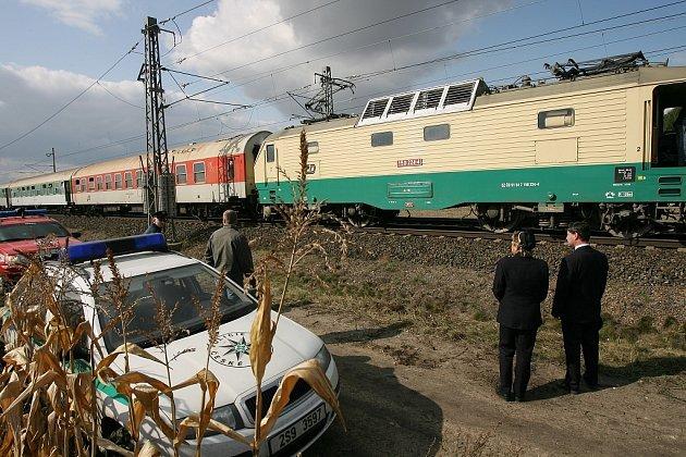 Devítiletého chlapce srazil u Starého Kolína vlak. Utrpěl vážná zranění a byl transportován do nemocnice