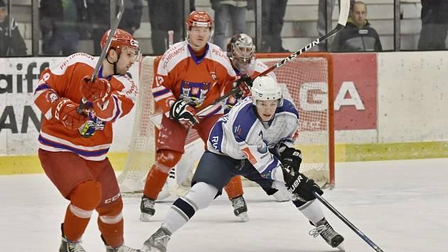 Hokejisté Kolína porazili Pelhřimov 9:4.