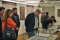 Ve Veigertovském domě začala výstava o slavných českých cestovatelích.