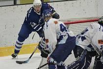 Z utkání osmifinále play off druhé hokejové ligy Kolín - Tábor (4:5 v prodloužení).