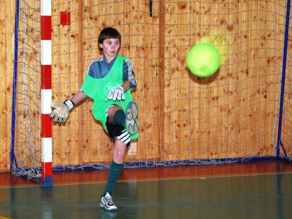 Tomáš Truhlář z úvalské školy byl vyhlášen nejlepším brankářem turnaje.