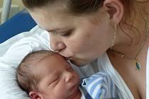 Dominik Horvát se narodil 3. srpna 2020 v kolínské porodnici, vážil 2855 g a měřil 47 cm. Do Kněžic si ho odvezli sourozenci Barunka (9), Sebík (7) a rodiče Dana a Jan.