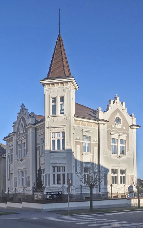 Secesní dům z roku 1911 ve stylu geometrické secese, sídlo společnosti ASYS IJD, spol. s r.o.