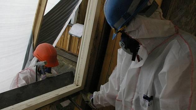 Měření azbestu v Želešicích jsou pod limitem. Vlákna ve vzduchu se potvrdila