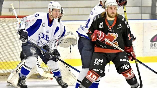 Hokejisté Kolína porazili druhý Žďár nad Sázavou 5:4.