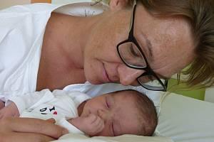 Jitka Karbusická se narodila 11. srpna 2019 v Kolíně. Vážila 3050 g a měřila 50 cm. V Uhlířských Janovicích bude bydlet s maminkou Lucií a tatínkem Janem.