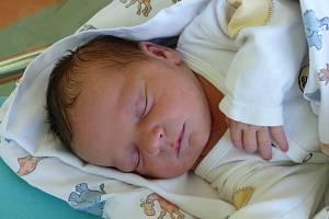 Ema Rotaru se narodila 3. října 2019 v kolínské porodnici, vážila 2935 g a měřila 48 cm. V Kolíně se z ní těší bráška Nikolas (2.5) a rodiče Denisa a Márius.