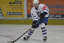 Kolínský útočník Petr Pospíšil při utkání druhé hokejové ligy Kolín - Sokolov (7:6).