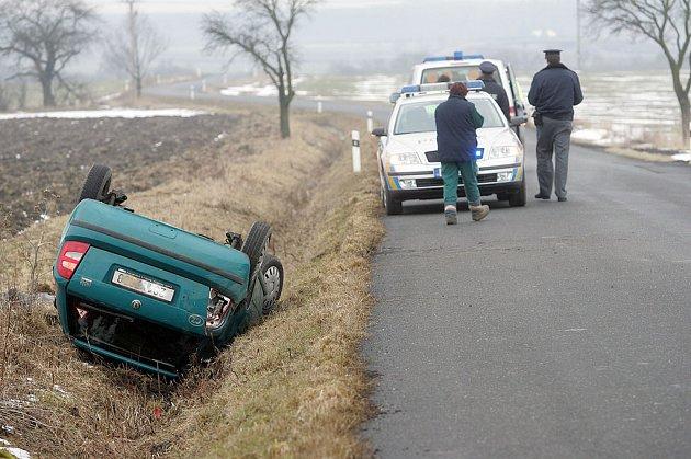 Dopravní nehoda u Jestřábí Lhoty.