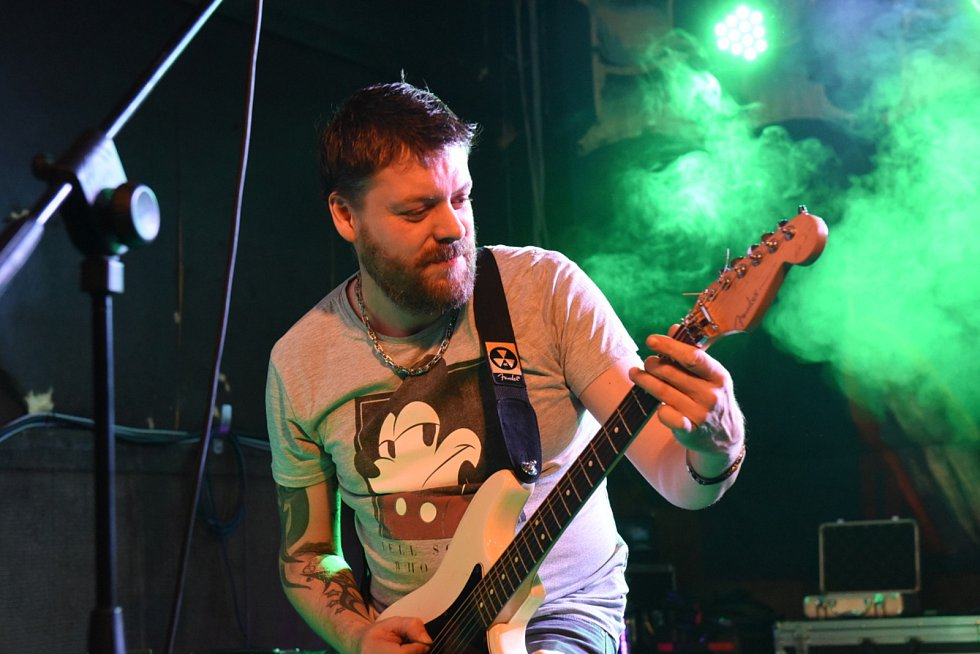Vánoční koncert kapel Blue Bucks a Rissla v klubu U Vodvárků v Kolíně.