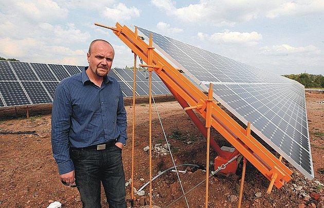Sluneční elektrárny se dnes staví ve všech koutech republiky. Jedním z míst, kde by mohla vyrůst další, je i průmyslová zóna Kolín – Ovčáry