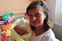 Ema Lucie Kolínská se rozplakala 10. října 2016 smírami 48 centimetrů a 3030 gramů. Vrodném Kolíně se zní radují maminka Erika, tatínek Antonín a sestry Kristýnka (16), Anička (7) a Eliška (5).