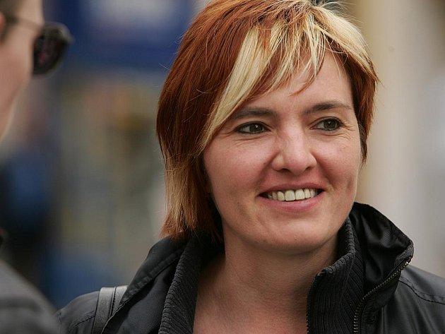 Lucie Soukupová, 34 let, Pečky:  Rakovina je v dnešní době rozšířená, takže člověk na to rád přispěje. Je to pro dobrou věc.