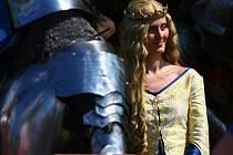 Rekonstrukce historické bitvy s názvem Meč a koruna k výročí narození Karla IV.