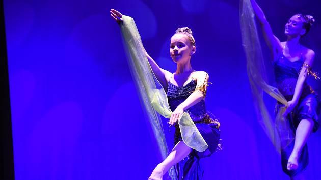 Taneční obory ZUŠ Františka Kmocha v Kolíně bilancovaly při  svém Galavečeru.