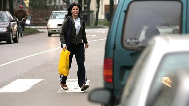 Přechod v Benešově ulici je prý nebezpečný,tvrdí rodiče