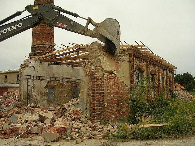 Demolice cihelny v Červených Pečkách