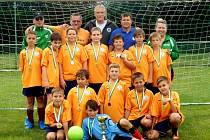 Letní turnaj mladších žáků v Ratboři vyhrál domácí výběr.
