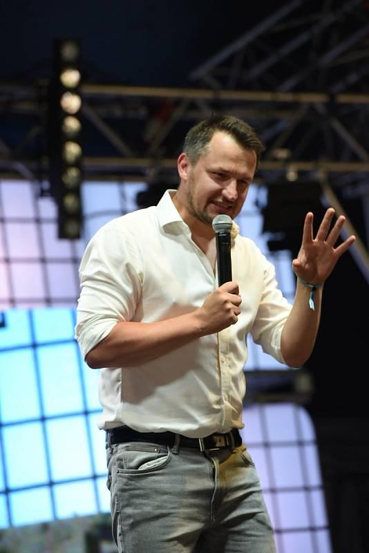 Z dalšího ročníku festivalu Rock for People, který hostil Festival Park Hradec Králové.