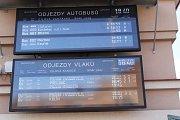 Vlaky vyjely proti sobě na nádraží v Českém Brodě. Ke srážce nedošlo.