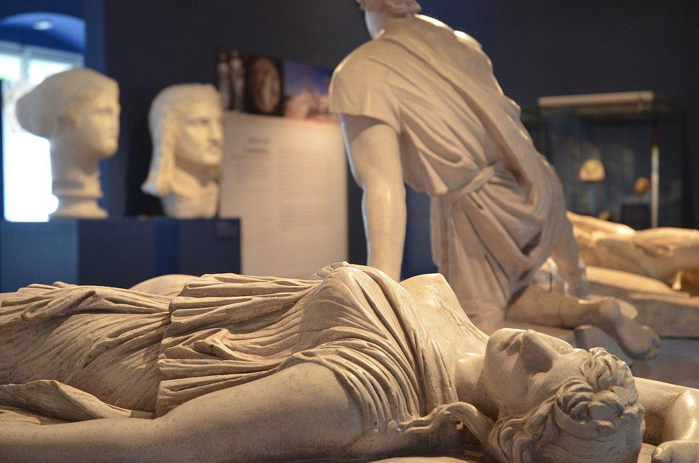 Výstava Nejen nepřátelé / Staří Řekové a jejich sousedé ve Dvořákově muzeu pravěku v Kolíně.