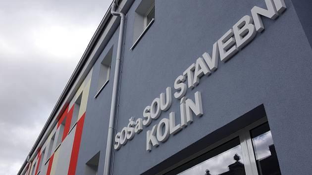Nová fasáda kolínské 'stavebky'.