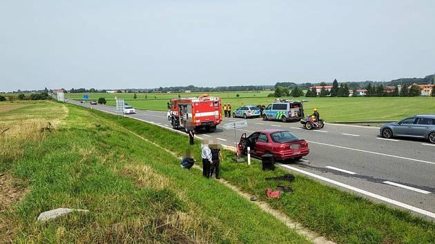 Na obchvatové silnice u Kolína se střetla dvě auta.