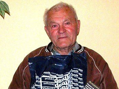Ve svých třiaosmdesáti letech se bývalý fotbalový hráč a funkcionář Ladislav Novotný z Ratboře stal historicky nejstarším vítězem některého z kol Tip ligy Kolínského deníku.