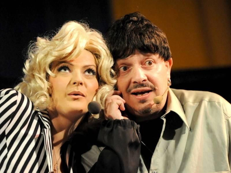 Zdeněk Izer a Šárka Vaňková bavili kolínské publikum