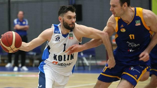 Z utkání 4. kola nadstavby BC Kolín - Opava (85:68).