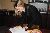 Z návštěvy Kateřiny Klasnové v Základní škole a Mateřské škole Kolín