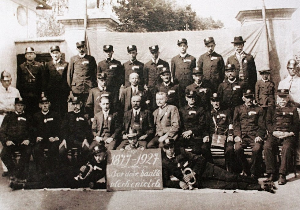 V roce 1927 oslavil sbor prvních padesát let od svého založení.
