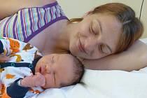 Jiří Karkoš se narodil 25. září 2020 v kolínské porodnici, vážil 3540 g a měřil 51 cm. Do Kasanic si ho odvezla sestřička Karolína (2.5) a rodiče Jana a Jan.