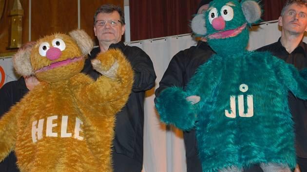 Z představení Jů a Hele v Městském společenském domě v Kolíně v pondělí 3. prosince 2007.