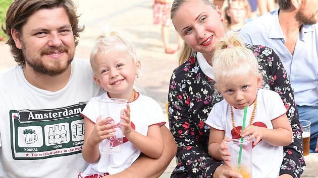 Posvícenskou neděli zpestřilo kulturní léto dětem i milovníkům cimbálu.