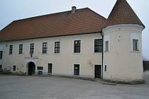 Sokolovna Louňovice pod Blaníkem