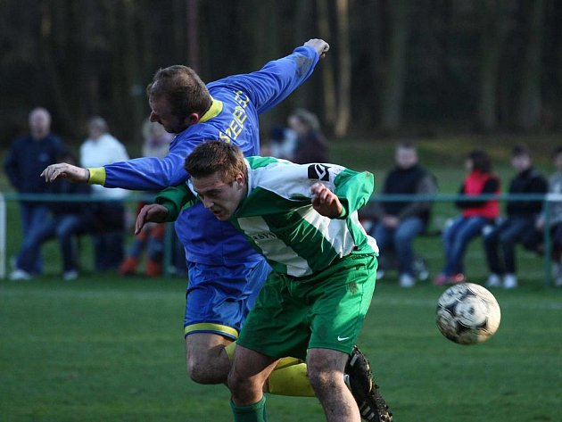 Z utkání Zásmuky - Zeleneč (2:0).