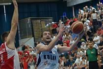 Z utkání BC Geosan Kolín - Pardubice (83:96).