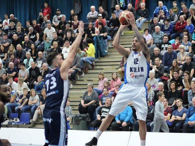 Z utkání BC Geosan Kolín - Ostrava (70:63).