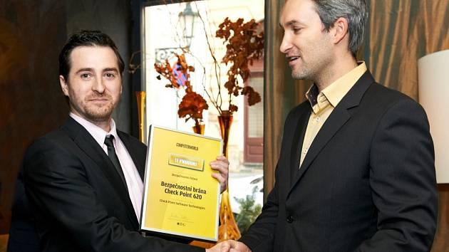 Úspěšný trenér a manažer Petr Cícha (vlevo).