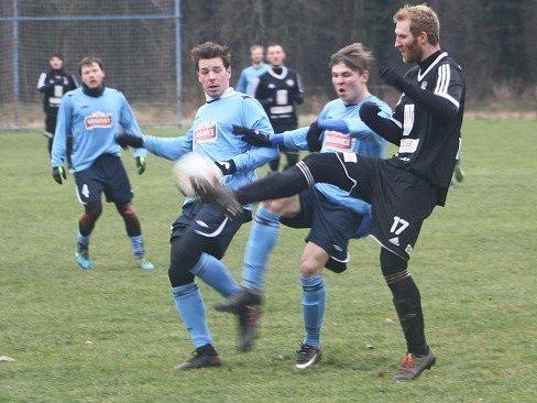 Z přípravného utkání FK Kolín - Úvaly (1:1).