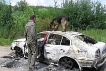 Nedaleko Poříčan kdosi zapálil ukradené vozidlo Škoda Octavia.