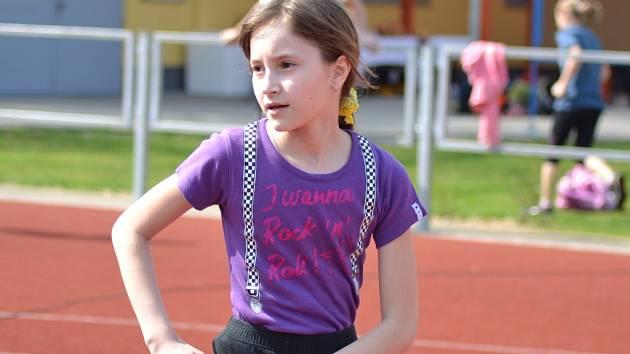 Děti soupeřily v atletice