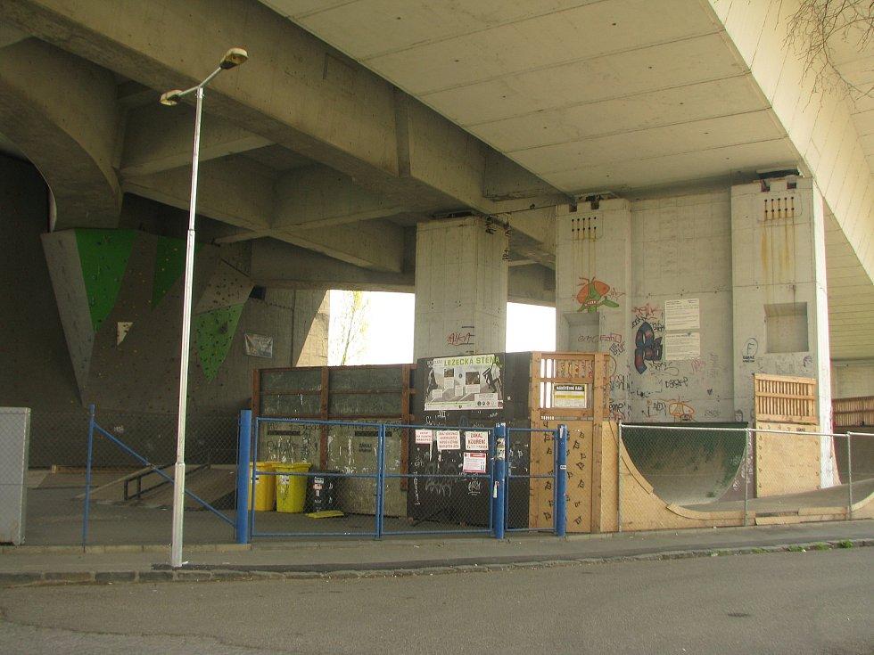 Rekonstrukce mostu na čas uzavře skatepark