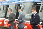 Ze slavnostního uvedení do provozu dvaceti ekologických autobusů na stlačený zemní plyn (CNG), které pořídila Okresní autobusová doprava Kolín.