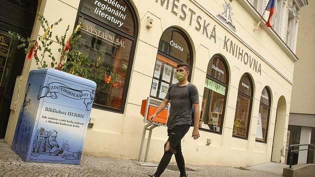 Městská knihovna v Husově ulici v Kolíně.