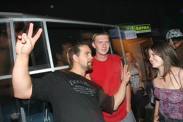 Sobotní disco v klubu Dance Hall v Opolanech