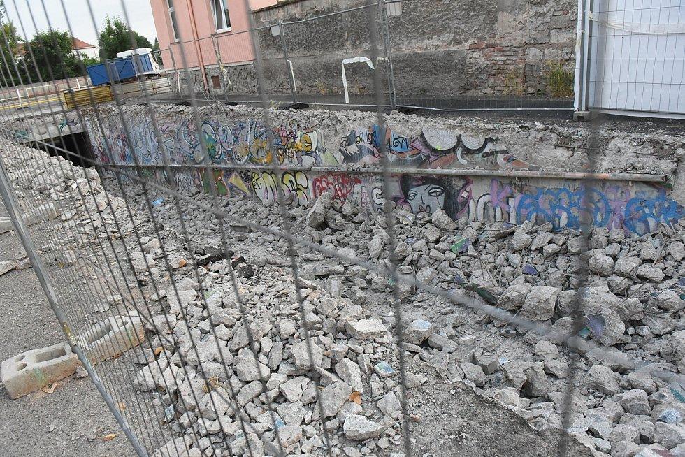 Rekonstrukce podchodu pod Jaselskou ulicí.